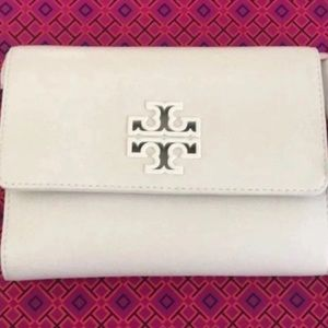 New Guaranteed authentic Tory Burch Chain Wallet